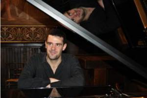 piano+...